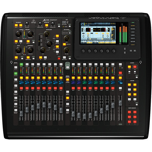 Behringer X32 Compact 4